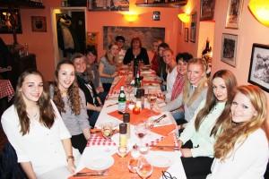 Als Dankeschön für ihr tolles Engagement bei den Heimspielen des Oberligateams des SVR lud das Management die Spielerfrauen zum Essen ein