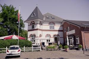 Das um 1900 erbaute Gebäude ist eines der Wahrzeichen Ellerbeks