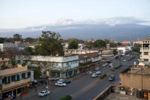 Moshi - eine Stadt mit rund 165.000 Einwohner. Nicht weit entfernt der Kilimandscharo